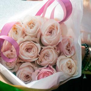 Пионовидные розы Дэвид Остин (сорт Keira)