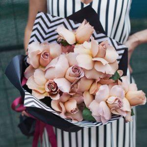 Букет из садовой розы Кафе Латте