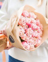 Монобукет из махровых тюльпанов сора Квинсленд
